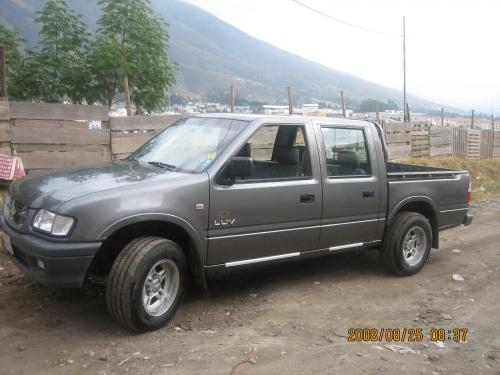 VENDO CAMIONETA CHEVROLET LUV 2003 DOBLE CABINA FLAMANTE MATRICULADA