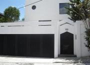 Vendo Amplia casa en Urb Miravalle 3