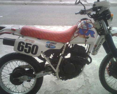 Vendo moto honda 250cc.