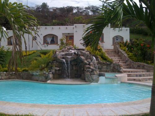Piscinas de mansiones de lujo chositas de ensue o for Fotos de modelos en piscinas