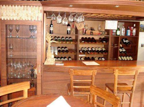 Muebles para barra de bar bares de firma por laura - Barras de madera para bar ...