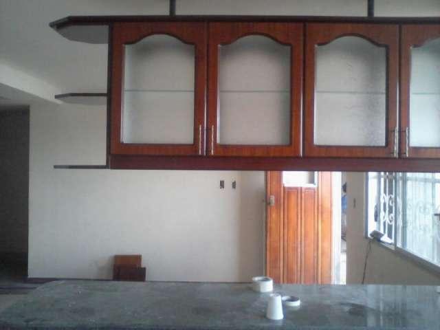 Puerta para ba o en chapa sin marco for Puertas metalicas para cocina