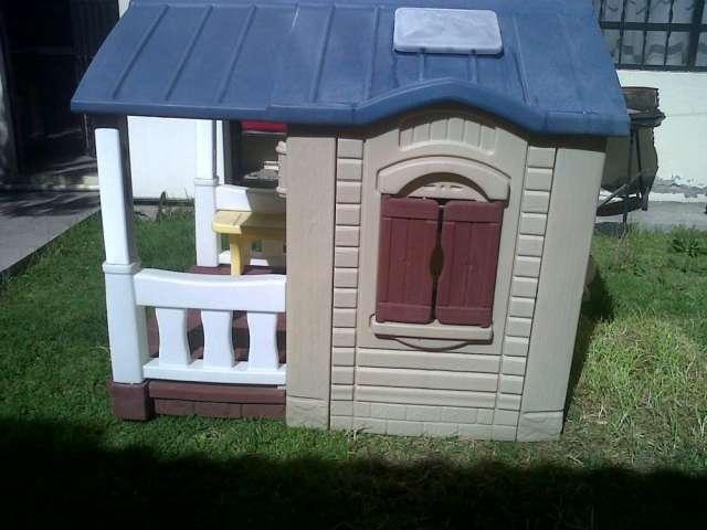 Casitas de nios de plastico casita de madera de juegos for Casas de plastico para jardin