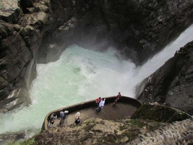 Cabinas De Baño En Quito: baños – amazonia central en Quito, Ecuador – Viajes y Turismo