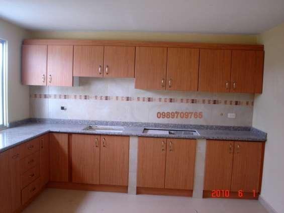 Muebles de cocina en melamínico, mdf o madera en Quito, Ecuador