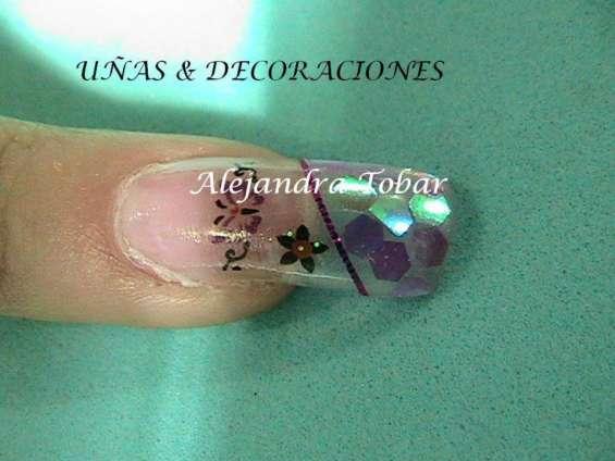 Curso de uñas acrilicas, uñas de gel, acrigel y decoraciones