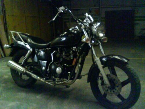 Vendo moto 150cc 2005 3250 km