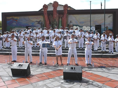 Visita la página web de la banda de la armada del ecuador