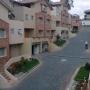 Vendo hermosa casa de tres niveles en Santa Lucía