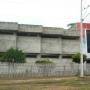 Alquilo bodega y edificio para oficina