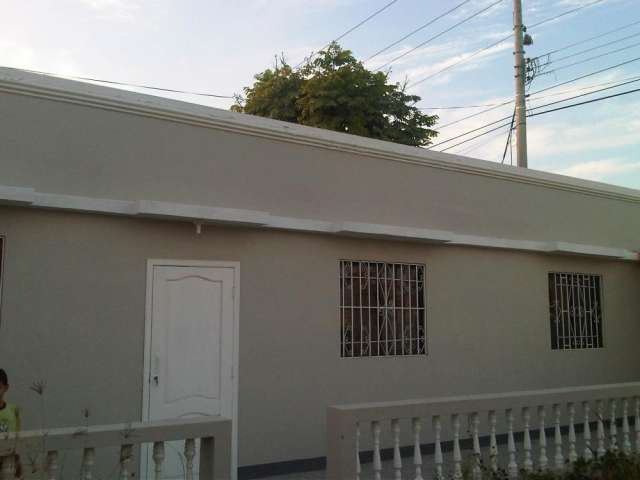Alquilo cómoda villa vacacional en balneario de ballenita