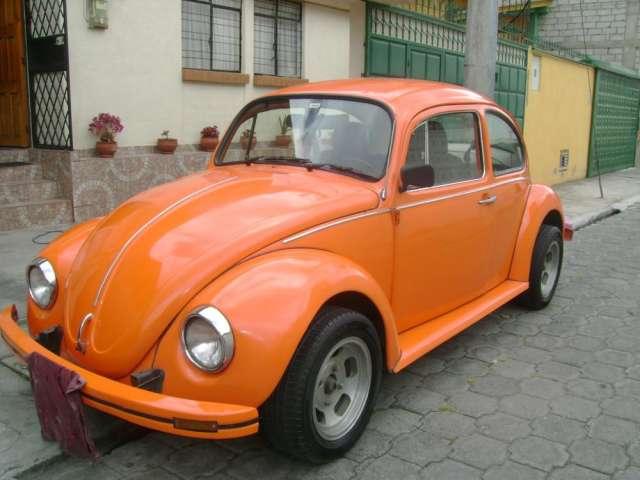 Auto clasico, vw escarabajo, flamante