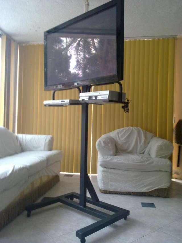 f377a478eb6 Soportes acorazado para televisión normal, plasma, lcd, led, y proyectores  e en Quito - Electrodomésticos | 169650