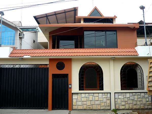 Venta De Casa En Machala Dos Pisos Con Terraza En Machala