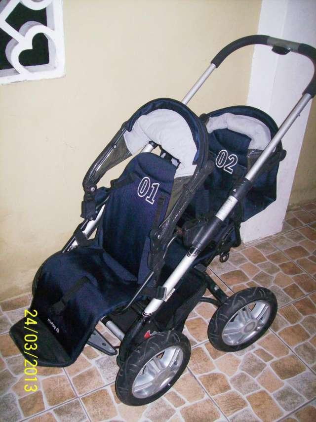 61936ab02 Coche doble para bebes, muy practico y comodo. Guardar. Guardar. Guardar.  Guardar
