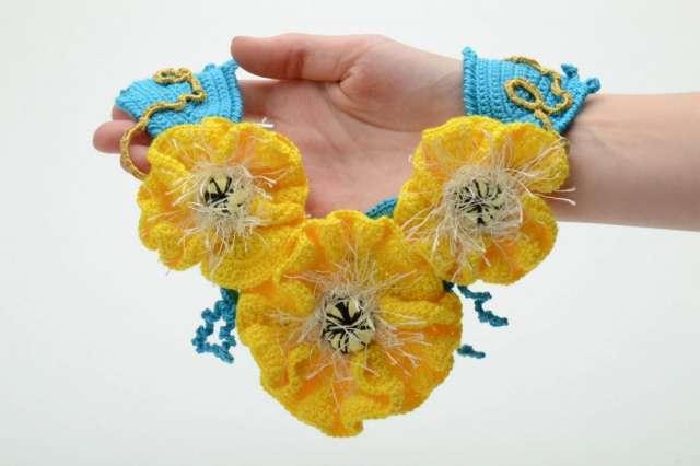 98bdd6bc0304 Collar artesanal de diseño floral. Guardar. Guardar. Guardar. Guardar.  Guardar. Guardar