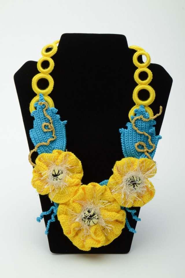 6e72507d65b4 Collar artesanal de diseño floral en Quito - Ropa y calzado