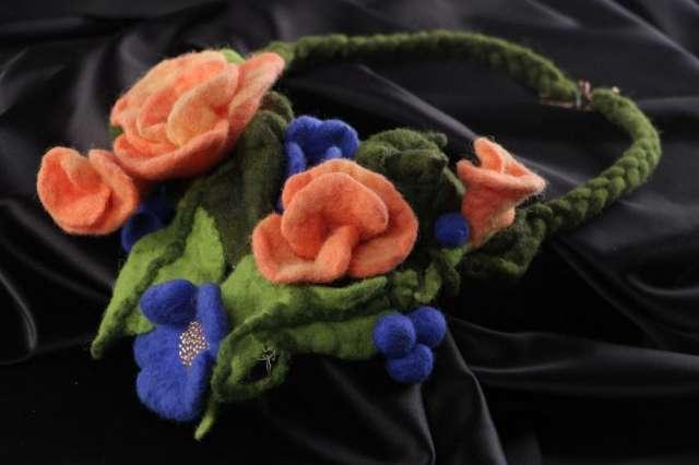 ca8d31eb373b Collar artesanal de fieltro seco con flores de lana original para mujeres