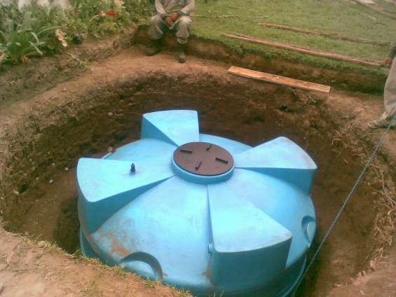 Cisterna bajo el césped