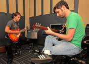 Clases de Guitarra, Bajo, Canto