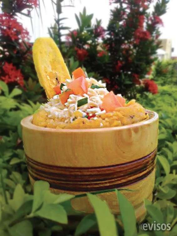 Relleno de queso en salsa de albahaca