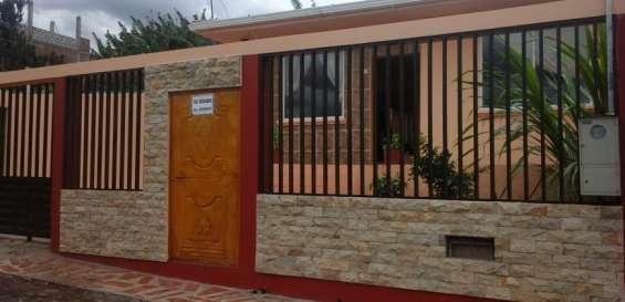 """Vendo casa vacacional en el """"valle de catamayo"""""""