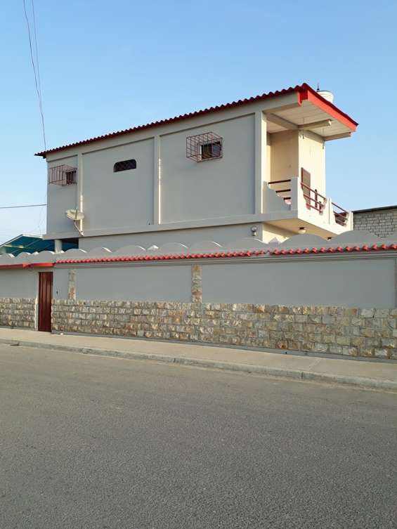 Fotos de Vendo casa en salinas con terreno incluido 8