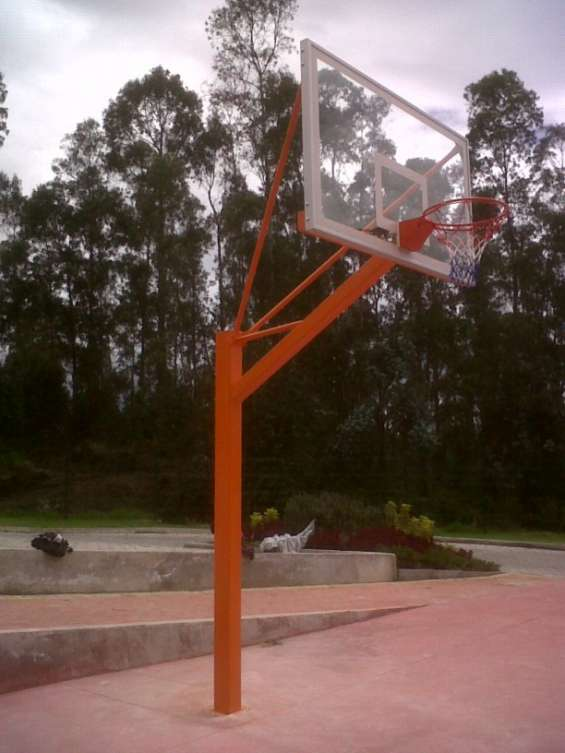 Tableros de basquet fijo con protección ecuador