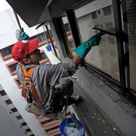 Limpieza vidrios exteriores de edificios
